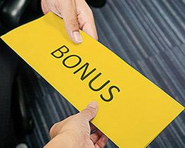 Bonusy i benefity